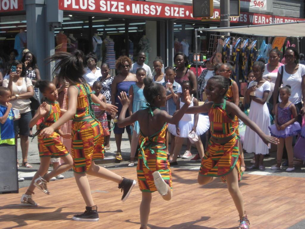 FABID_2014 Street Fair Fair CK Dancers Afr_PR